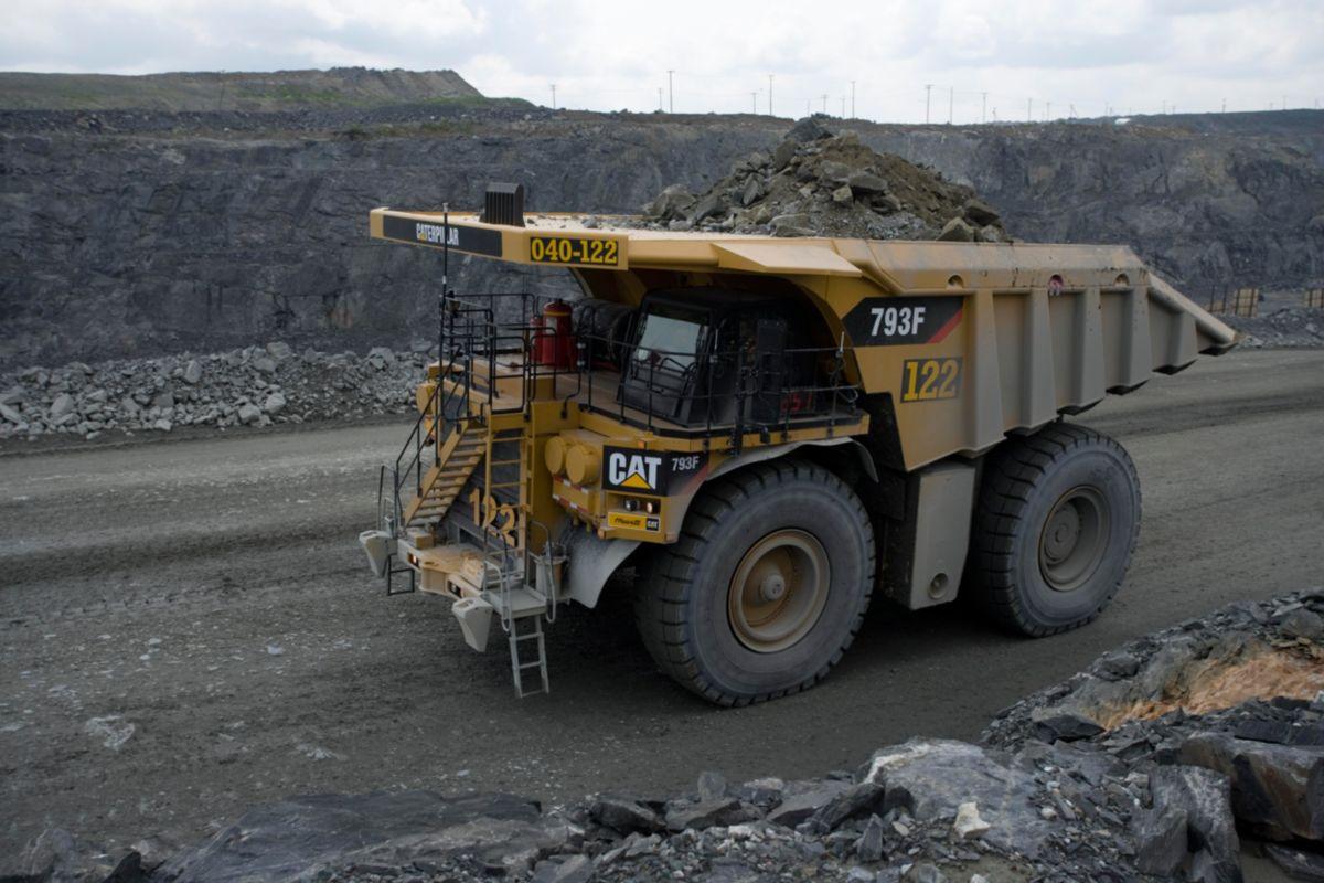 Toromont Cat 793f Mining Truck